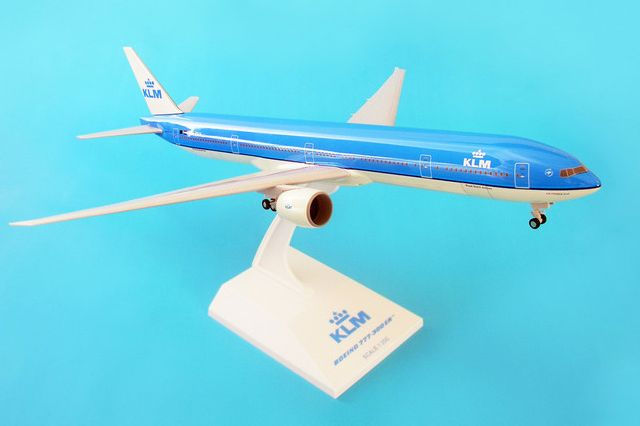 Skymarks KLM Royal Dutch Airlines Boeing 777-300ER 1/200 Plastic Model