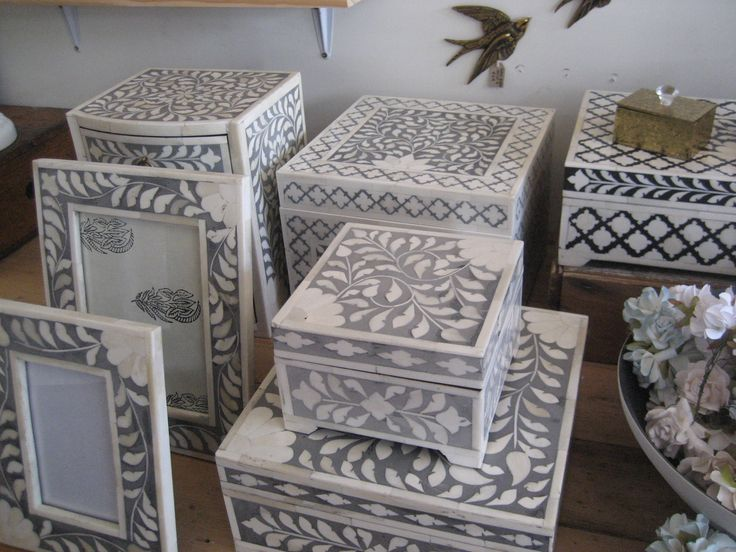 Grey inlay boxes and frames
