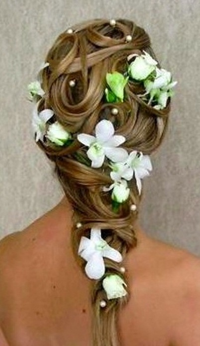 Bride's looped woven braid curls bridal #hair ideas ToniK #Wedding #Hairstyles ♥ ❶   accent flowers & pearls
