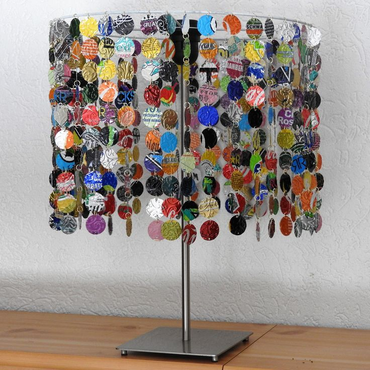 Lampenschirm aus Getränkedosen Lampshade from soda cans