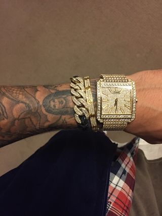 Justin Bieber Justinbieber On Shots Thanks Champ Floydmayweather For The Gift S News