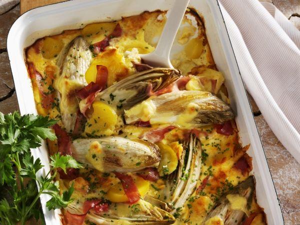 Witloof met ham en aardappelen in de oven - Libelle Lekker!