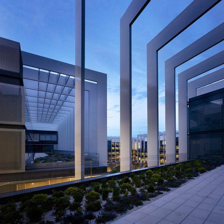 Main headquarters repsol madrid spain by rafael de la hoz arquitectos madrid spain roof - Arquitectos madrid ...