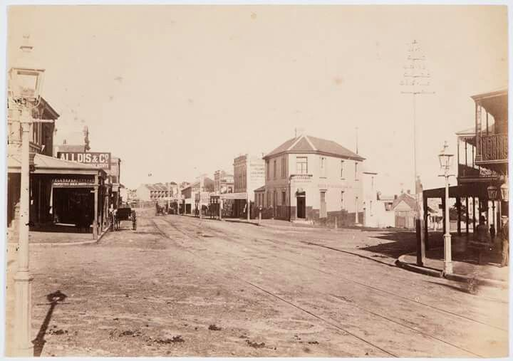 Carrington Rd,Bondi Junction in eastern Sydney in 1890.