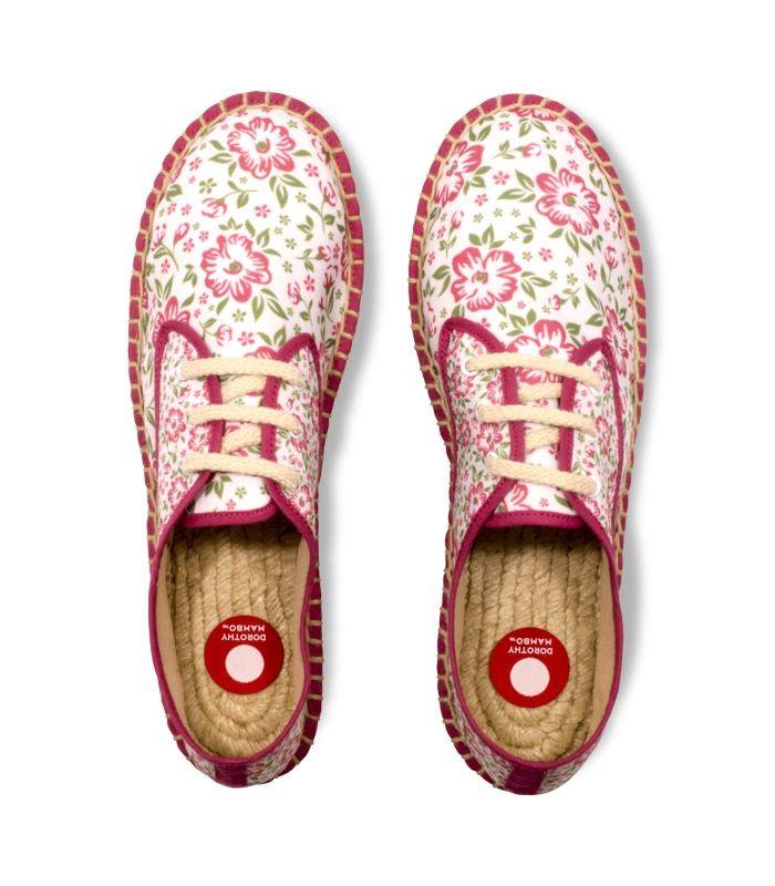 Alpargatas con suela de plataforma de yute 100% tejido a mano. Espadrilles blucher con plataforma de esparto cosidas a mano en España. Calzado cómodo hecho a mano por artesanos del esparto con mucho mimo. #alpargatas #espadrilles #moda #calzado #shoes #zapatos #footwear #trends #springsummer #handmade #handmadewithlove #hechoamano #handsewn #cosidoamano #vintage #diseño #ideaspararegalar