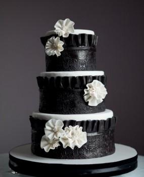 38 Bold And Chic Black Wedding Cakeswedding Philippines