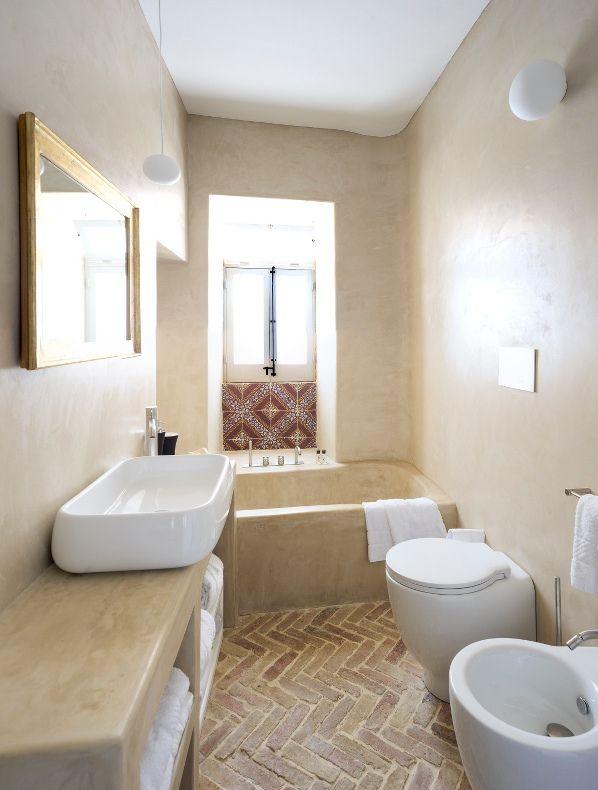 Chic & Deco: HOTEL SIGNUM #bathroom #window #aeolianislands #salina #signum