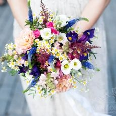 multicolor-mixed-field-flowers-wedding-bouquet