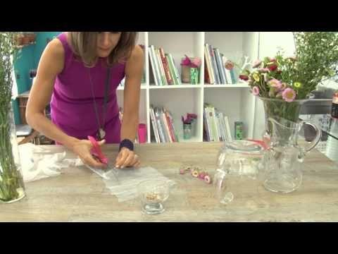 Materiais: 1 cobre jarras, Miçangas coloridas, Linha de costura, Agulha 12, Tesoura, Cristal 8