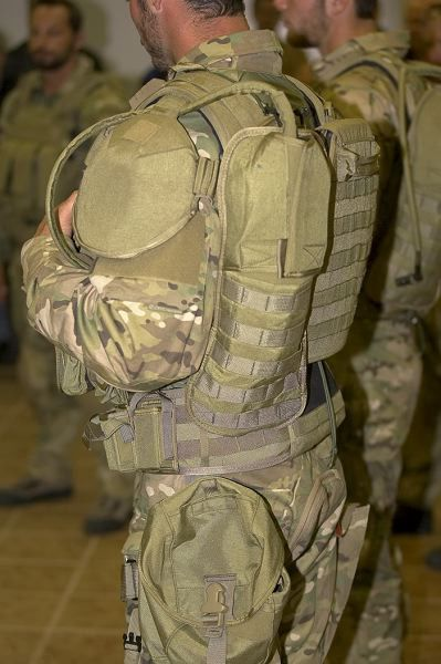 Crye Cage Chassis Prototypes Body Armor Pinterest