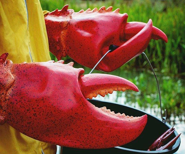 Giant Lobster Claws - https://tiwib.co/giant-lobster-claws/ #Costumes #gifts #giftideas #2017giftideas #xmas