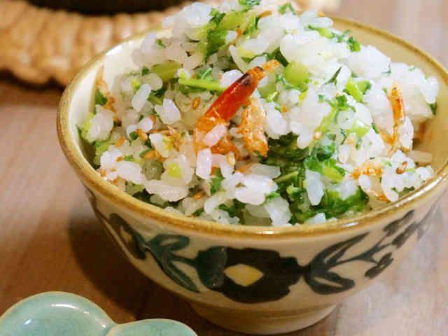 桜海老と大根葉の彩り菜飯*の画像