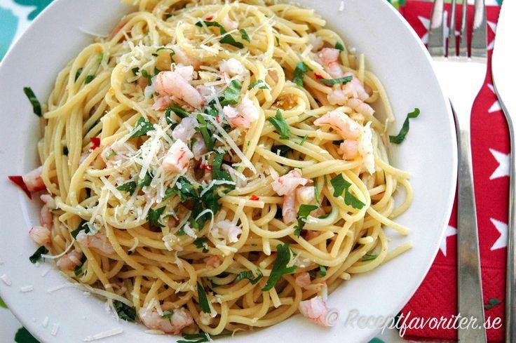 Spagetti pasta frutti di mare med skaldjur