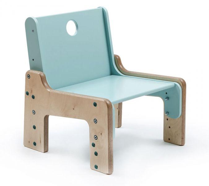 Rostoucí nábytek mohou využívat děti od chvíle, kdy jsou schopné samy sedět, až do šesti let, březová překližka, Mimimo, cena židle 3 900 Kč, stůl 3 900 Kč, www.mimimo.cz #RostouciNabytek #nabytek #deti #zidle #DetskyNabytek #mimimo #detskypokoj