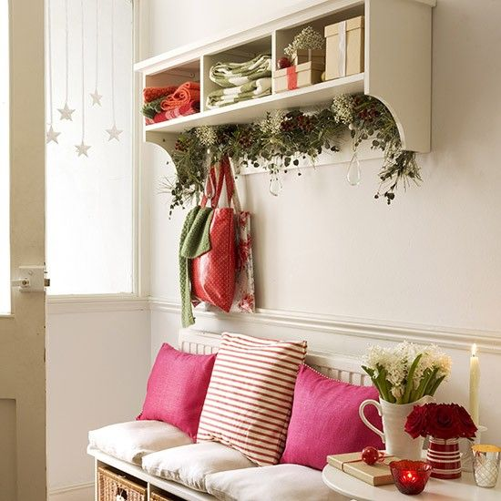 Christmas decorating ideas for home entry.