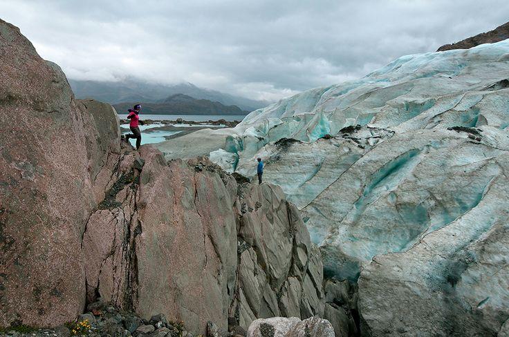 """Si tu espíritu aventurero no tiene límites, te invitamos a explorar un lugar sorprendente, adornado de glaciares, cascadas y lagos escondidos, """"El Canal de las Montañas"""".En esta fotografía exploramos el Glaciar Bernal.  Listos para internarse en la belleza de la Patagonia! http://bit.ly/1l8u8nF"""