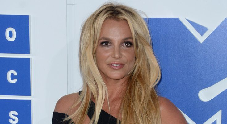 Britney Spears Spends New Year's Eve with Rumored Boyfriend Sam Asghari! | 2017 New Year's Eve, Britney Spears, Sam Asghari : Just Jared