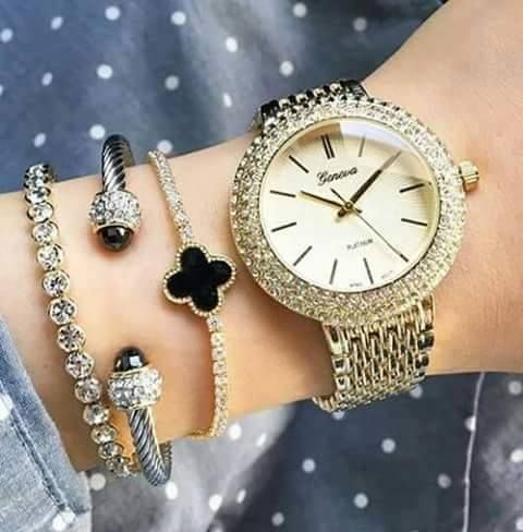 Stylish bracelet watch