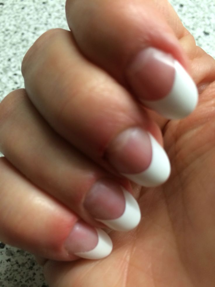 French manicure met Exellent French White tips