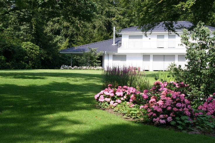 Die moderne Gartengestaltung besticht durch klare Linien, besondere Gartenmöbel und Kreativität.