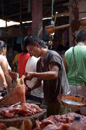 Airmadidi Market in Manado, Sulawesi, Indonesia    Travel to Sulawesi    http://allindonesiatravel.com/
