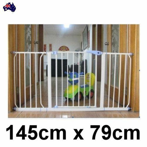 Baby & Pet Doorway Safety Security Gate Stair Barrier Swing Door 145 x 79cm New