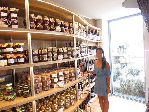 A Nizza un nuovo negozio di prodotti locali - Nei 150 metri quadrati , posti su due pianti, in un negozio un tempo adibito a magazzino di scarpe, si trova di tutto, dall'olio di oliva ai vini di Bellet, dal sapone ai dolci, dalle verdure conservate alla birra.