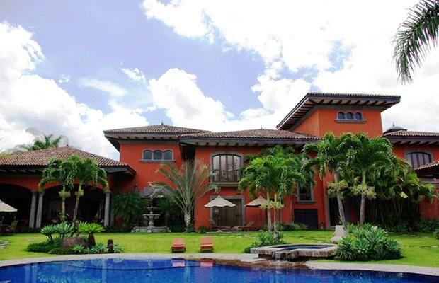 Inside Million Dollar Homes This Four Bedroom Villa Just Outside