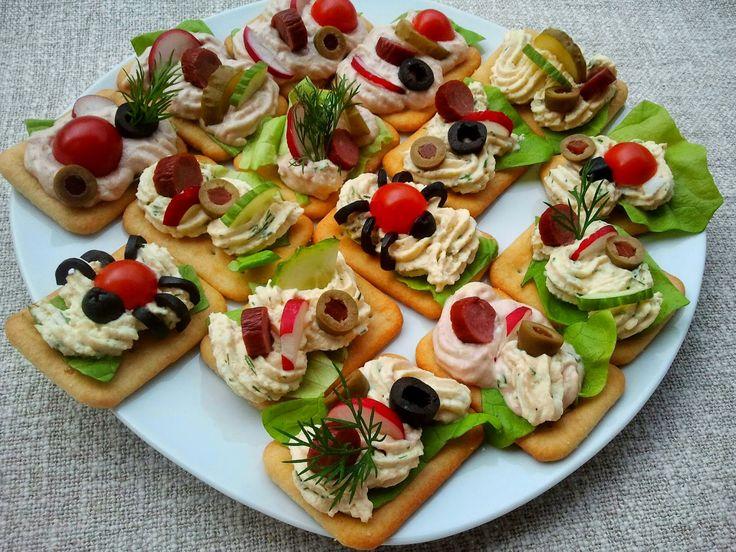 Takie kanapeczki polecam na sylwestra, przyjęcia urodzinowe, imieninowe…