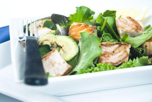 Salade tiède de truite arc-en-ciel - Châtelaine