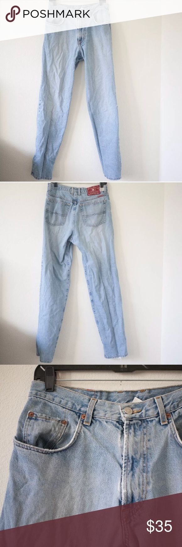 """[Lucky Brand] Dungaree Jeans Men's Item is in very good condition. Very minor flaws will be pictured if any. See photos. There is some wear on the bottom.   Approximate flat measurements:  Length: 44""""  Inseam: 33""""   I do my best to check for holes and stains and describe items accurately. Any flaws are noted and photographed. Please see measurements for sizing.   G52 Lucky Brand Jeans Straight"""
