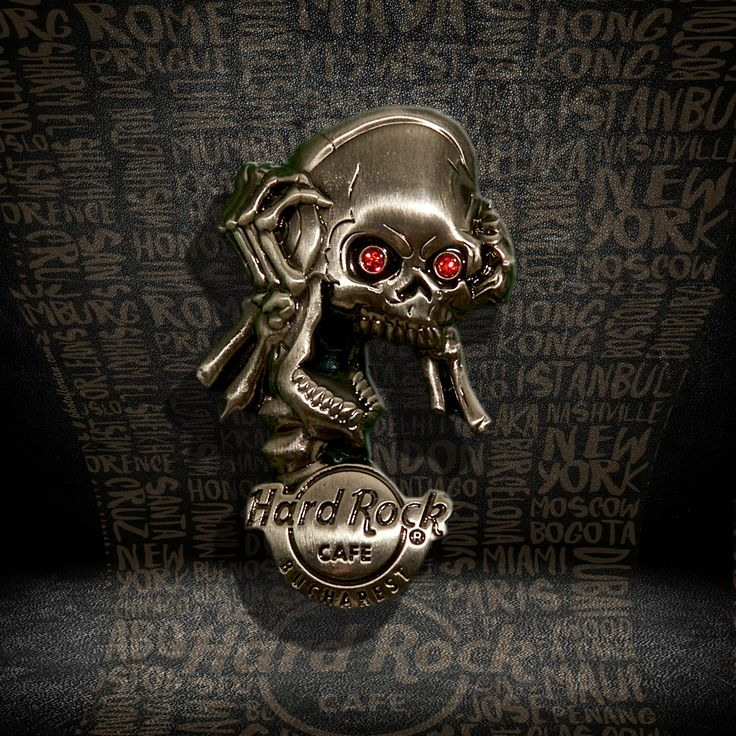 3D Skull Headphone Pin #pins #hardrockcafebucharest