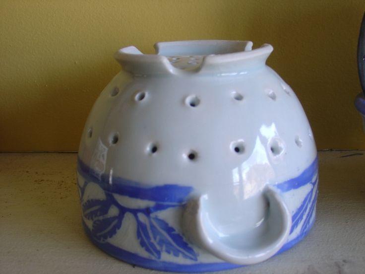 Glynnis Lessing » teaching Berry bowls/ handles