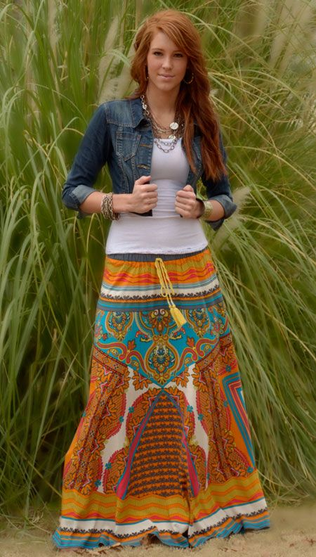 I really want an outfit like this for spring/summer (dress or skirt + denim jacket + boots)