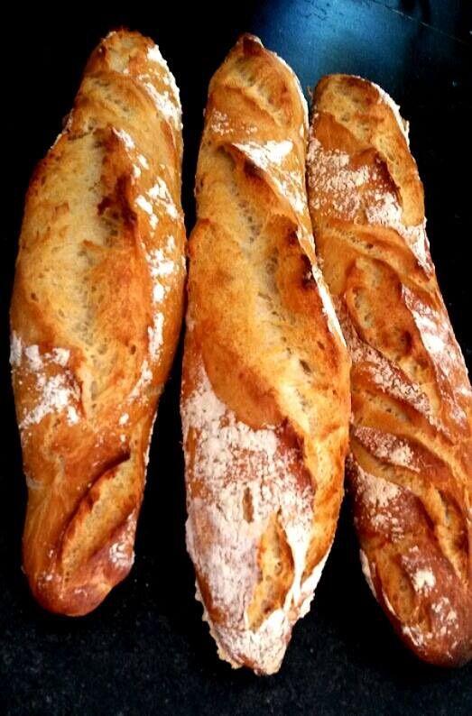 Baguette rustique, miam miam!