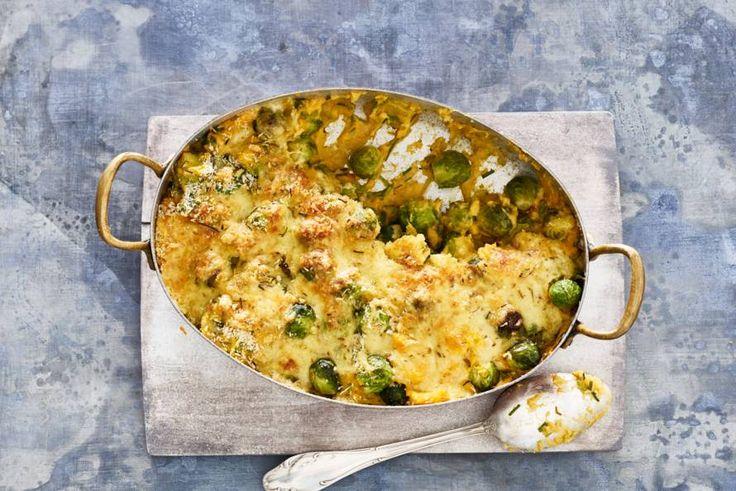 Met deze gratin met kaas en zoete aardappels zijn spruitjes nooit meer saai! - Recept - Allerhande
