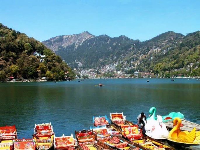 Another popular place to visit in Uttarakhand is the beautiful Nainital