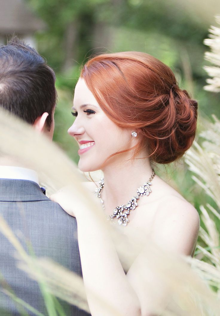 Loose bun #hair Photography: Paperlily Photography   Read More: http://www.stylemepretty.com/2014/01/20/oak-hill-the-martha-berry-museum-wedding/