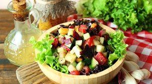 Imagem da matéria 7 ideias leves de jantar para manter a forma no verão