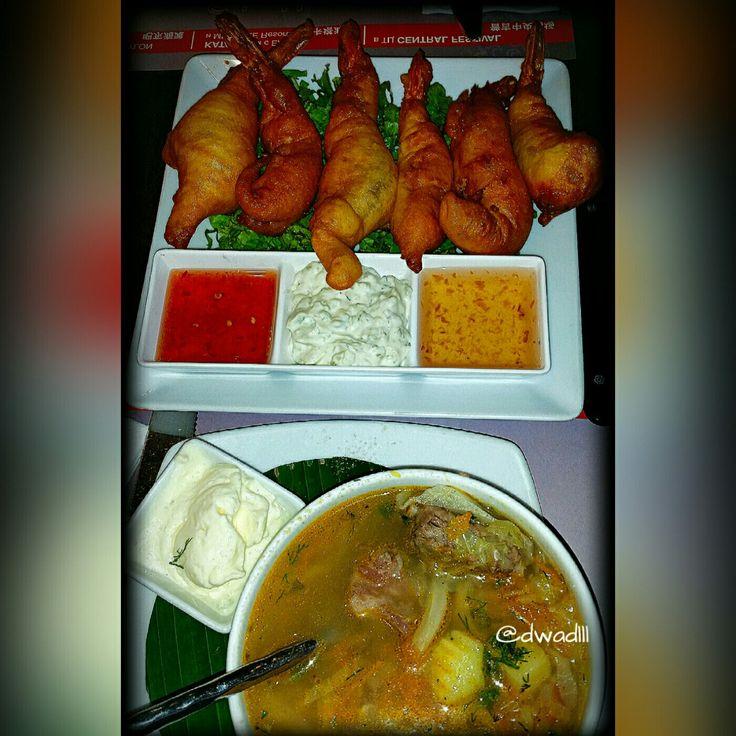 While in Phuket, Thailand... #breakfastofchampions #breakfast #natural #organic #sugar #spice #house #travel #live #life #love #people #fitness #foodie #phuket #thai #thailand #laguna #bangtao #beach #photography #dragon #fruit #dinner #prawns #salmon #bake #fried #rice Jungceylon Mall. Spice House. Vacation. Fun. Fly.