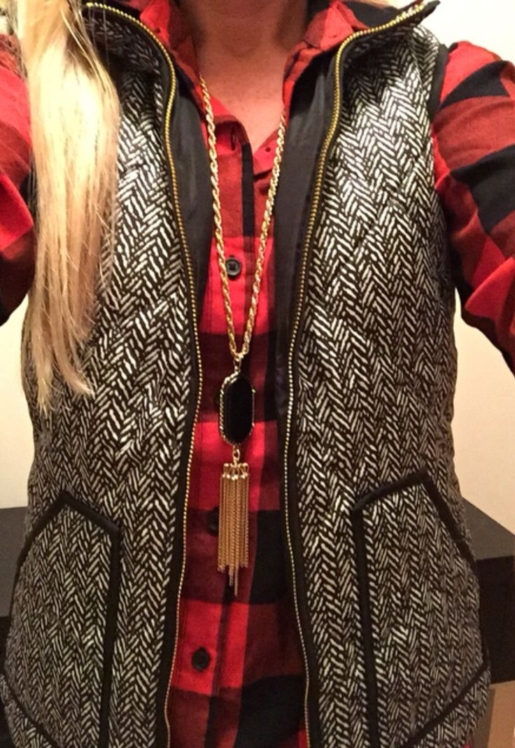Love everything about this outift: herringbone, plaid, and a cute statement necklace