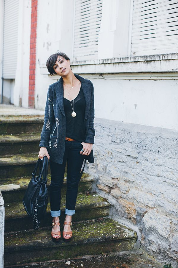 Coline | Et pourquoi pas Coline...I love EVERYTHING thing about this outfit and her....hair, shoes, makeup.