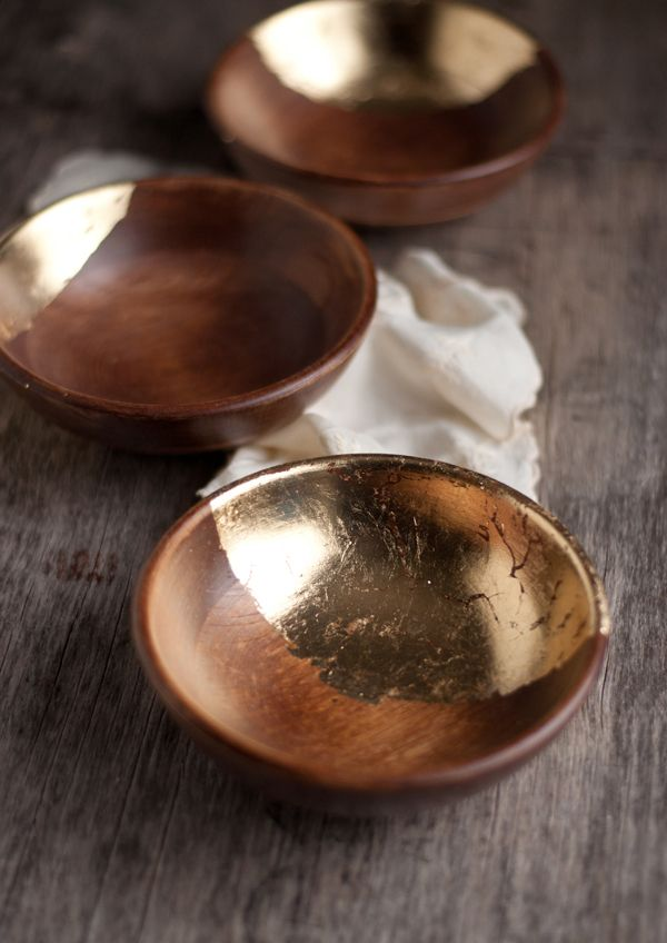 DIY : Wooden Bowls with Gold Leaf.                   Gloucestershire Resource Centre http://www.grcltd.org/scrapstore/