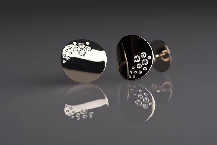Atelier Clint - Witgouden machetknopen met diamanten  [Fotografie: Lenka Stangler Fotografie]