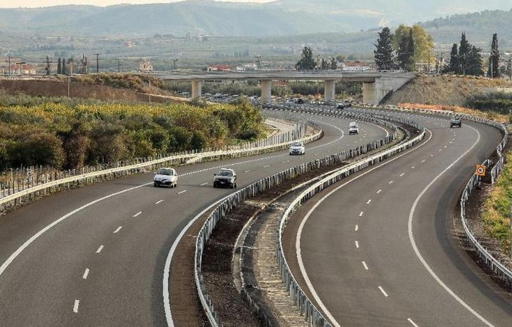 Olympia Odos Patra-bound Motorway Opens to Traffic.