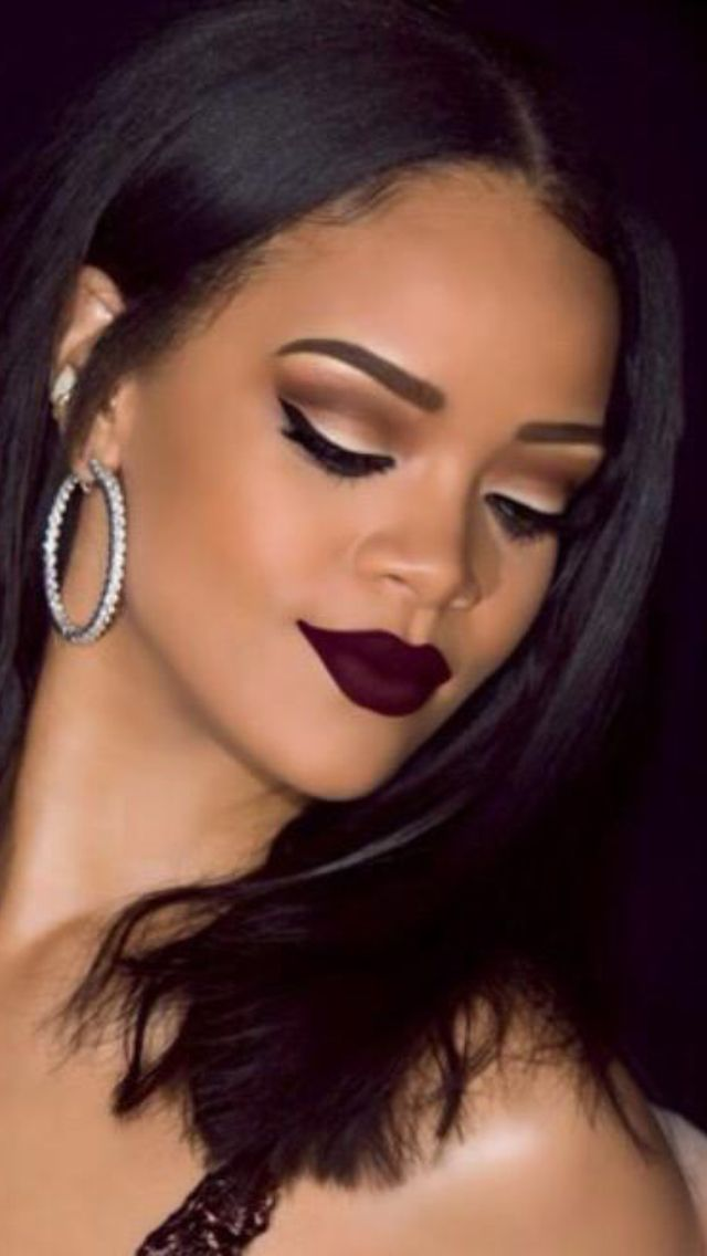 Neutral toned eye & dark lip... Might have to make this look happen for graduation :D