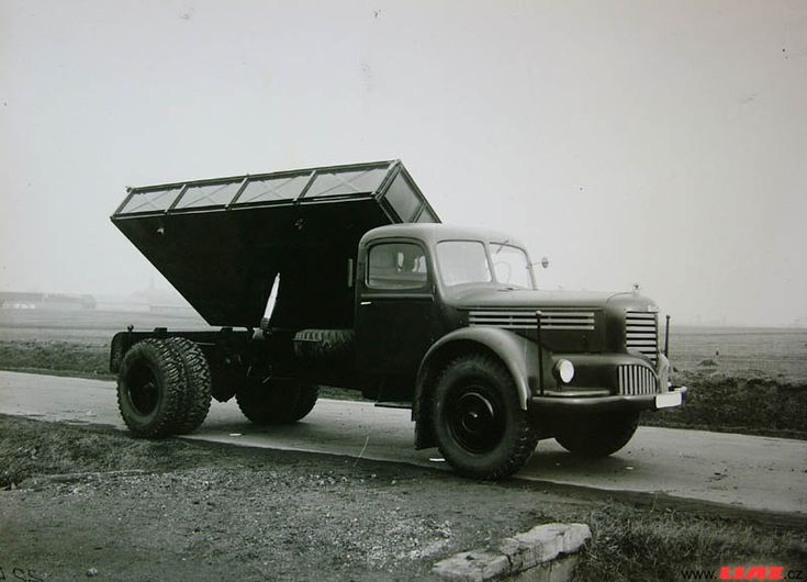 Škoda 706 R