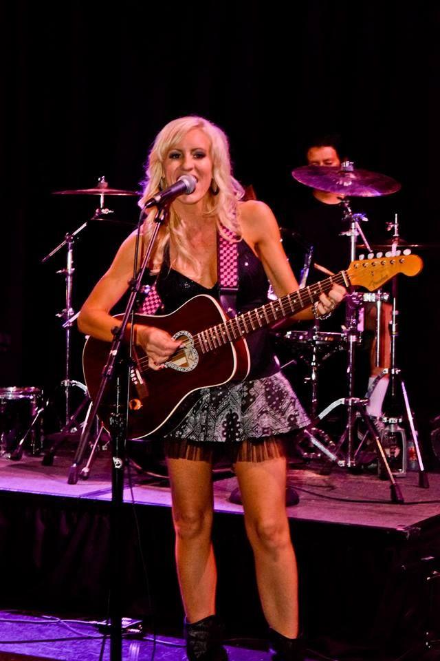 Nicole performing with Blontourage at Fantasy Springs Resort Casino.
