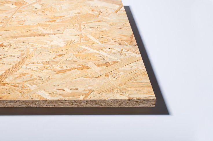 Utilisez des dalles en bois OSB pour la construction de votre ossature.