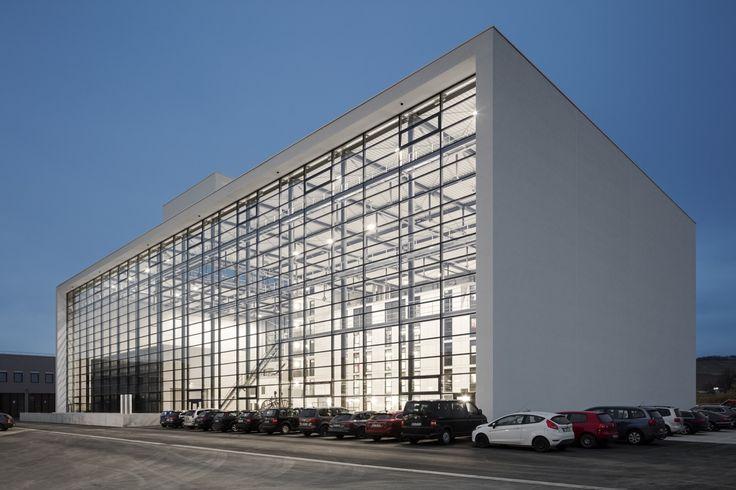 Gallery of State Fire Brigade School / gmp Architekten - 1